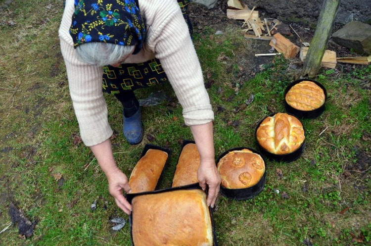 26-orthodox-easter-traditional-maramures